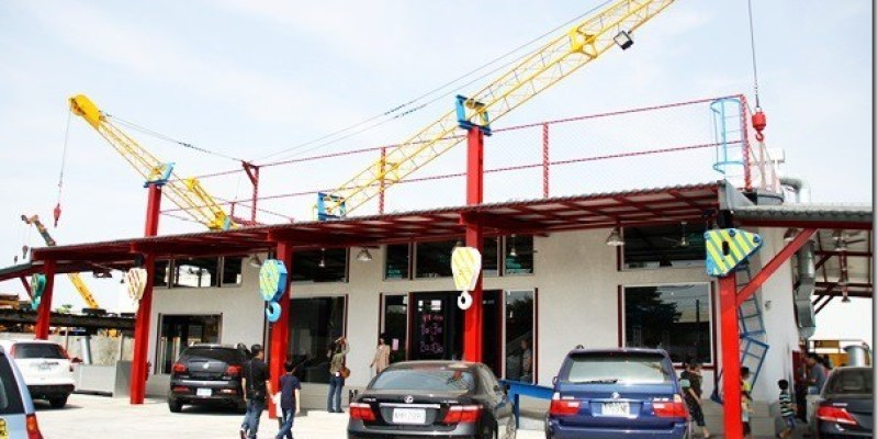 彰化。主題餐廳 【瑤哥庫克廚房】在工業風的吊車引擎上吃著風味十足的爌肉飯