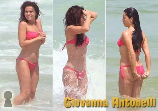 Giovanna Antonelli de Biquini na Praia