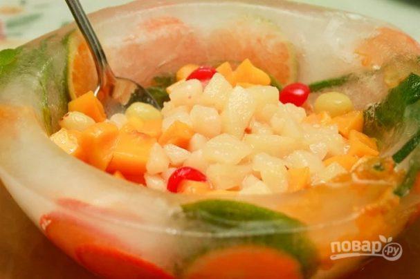 prazdnichnaya ledyanaya chasha 465917 - Festive ice bowl