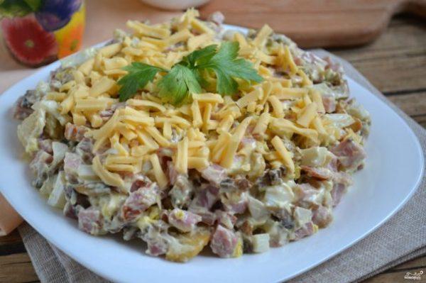 Салат с ветчиной и грибами - пошаговый рецепт с фото на ...
