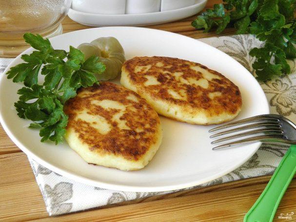 kartofelnie pirojki 277816 - Potato patties