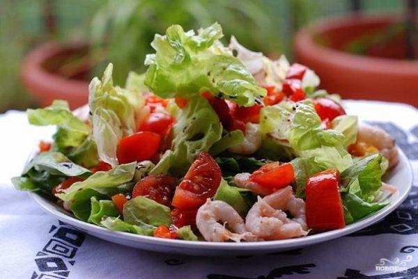 Салат с креветками и помидорами - рецепт с фото на Повар.ру