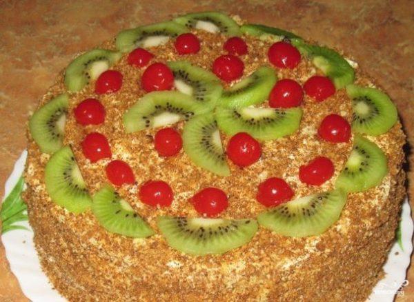Бисквитный торт с масляным кремом и фруктами - пошаговый ...