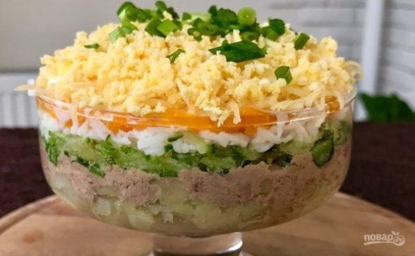 Нежнейший салат из печени трески - пошаговый рецепт с фото ...