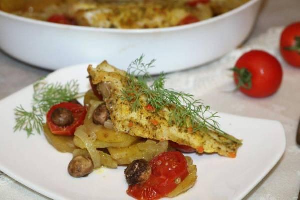 ᐉ Окунь с картошкой в духовке — рецепт с фото пошагово ...