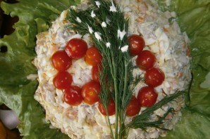 Салат из консервированных кальмаров и шампиньонов - фото шаг 6