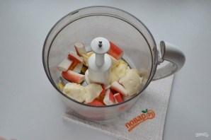 Закуска на крекерах с крабовыми палочками - фото шаг 2