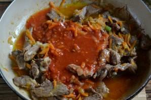 Goulash mula sa karne ng baka na may gravy - larawan Hakbang 6.