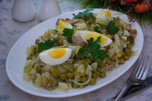 Салат из печени трески (консервированной) - пошаговый ...