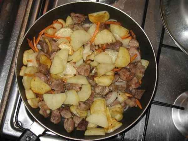 Жареная свинина с картошкой - пошаговый рецепт с фото на ...