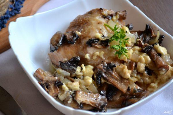 Курица с грибами в духовке - пошаговый рецепт с фото на ...