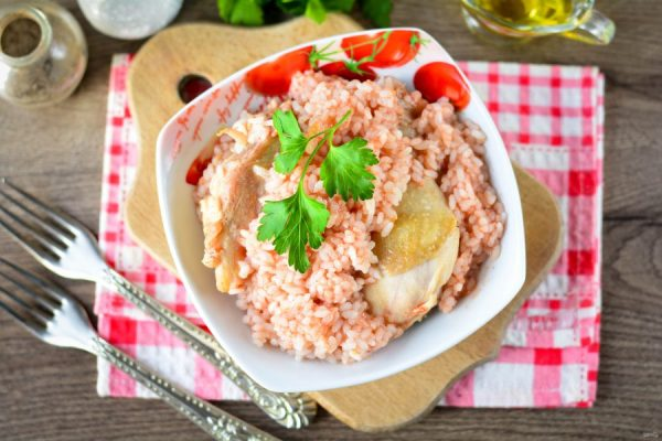 Курица с рисом в томатном соусе - пошаговый рецепт с фото ...
