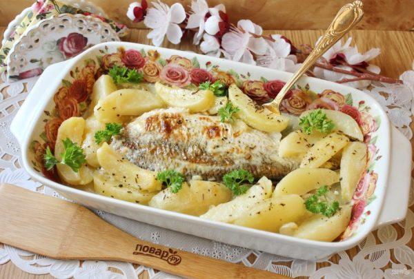Лещ в духовке с картофелем - пошаговый рецепт с фото на ...
