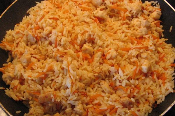 Плов быстрого приготовления с курицей - пошаговый рецепт с ...