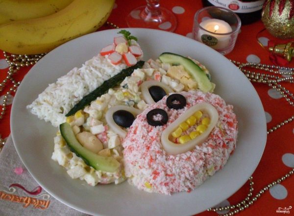 """Салат """"Обезьянка"""" с кальмарами - пошаговый рецепт с фото ..."""