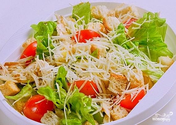 """Салат """"Цезарь"""" с курицей с помидорами - пошаговый рецепт с ..."""