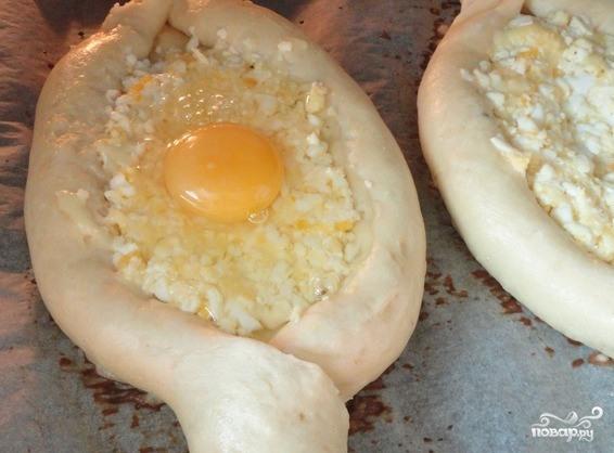 "Хачапури ""Лодочка с яйцом"" - пошаговый рецепт с фото на ..."