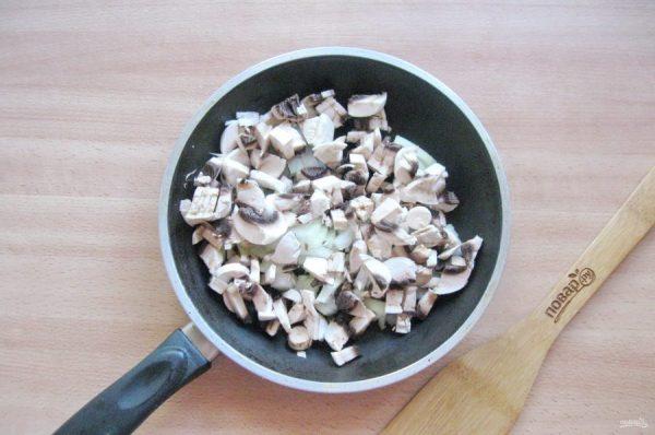 Голубцы с мясом, рисом и грибами - пошаговый рецепт с фото ...