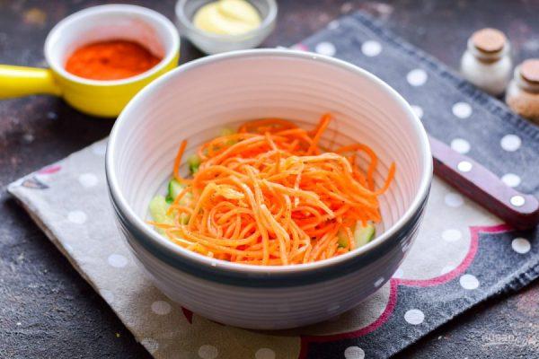 Салат из корейской моркови, курицы и перца - пошаговый ...