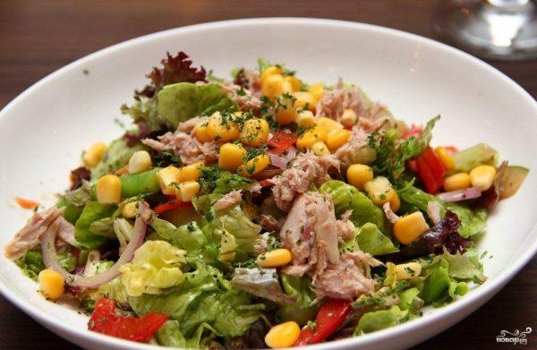Салат с тунцом и кукурузой - рецепт с фото на Повар.ру