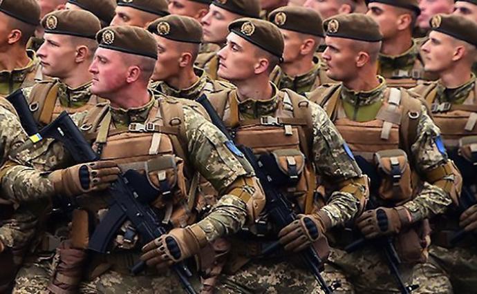 У зв'язку із ситуацією на Азовському морі Збройні Сили України приведені у повну бойову готовність