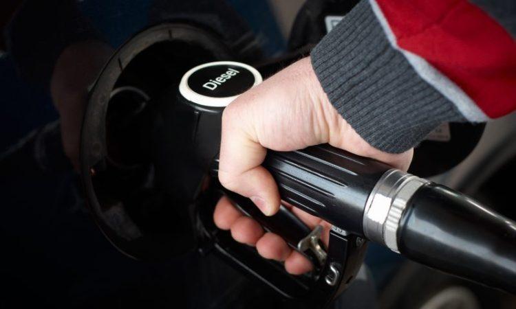 Se scumpesc carburanții – ca în fiecare toamnă
