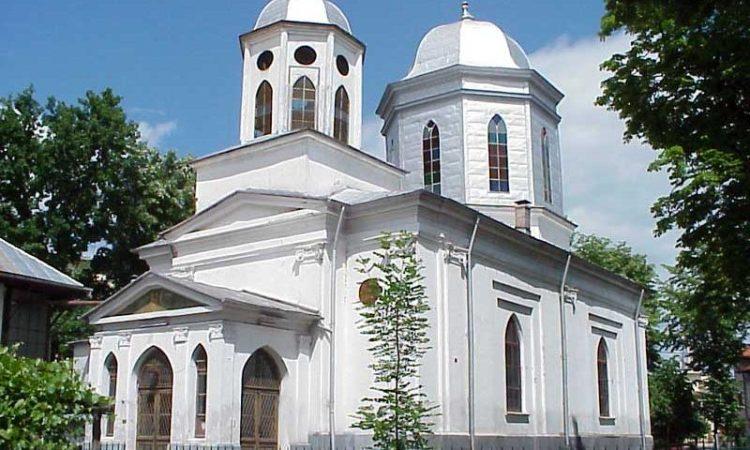 Avem nevoie de atâtea biserici?