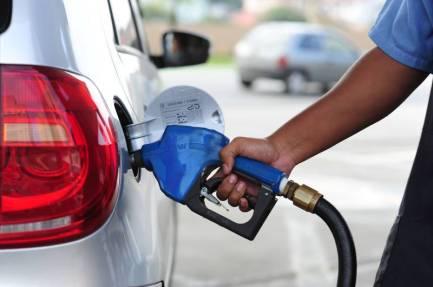 Image result for Petrobras reduz preços da gasolina e do diesel nesta terça-feira