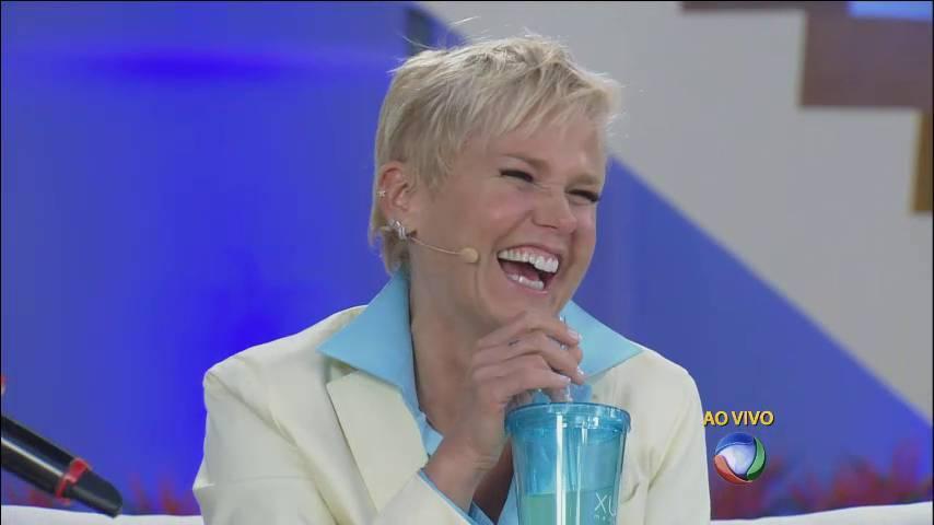 """Xuxa é sucesso na TV e na internet! Durante o Xuxa Meneghel, aparecem vários memes incríveis brincando com o programa e a loira. A hashtag #XuxaNaRecord ficou duas vezes nos assuntos mais comentados no mundo todo no Twitter. Veja agora como os memes provam que Xuxa é uma ótima amiga!+ 'Acordo parecendo uma… bumbum!"""". Relembre as melhores frases da Xuxa> Acesse o R7 Play e assista na íntegra a todos os programas da Record! Clique e experimente de graça!"""