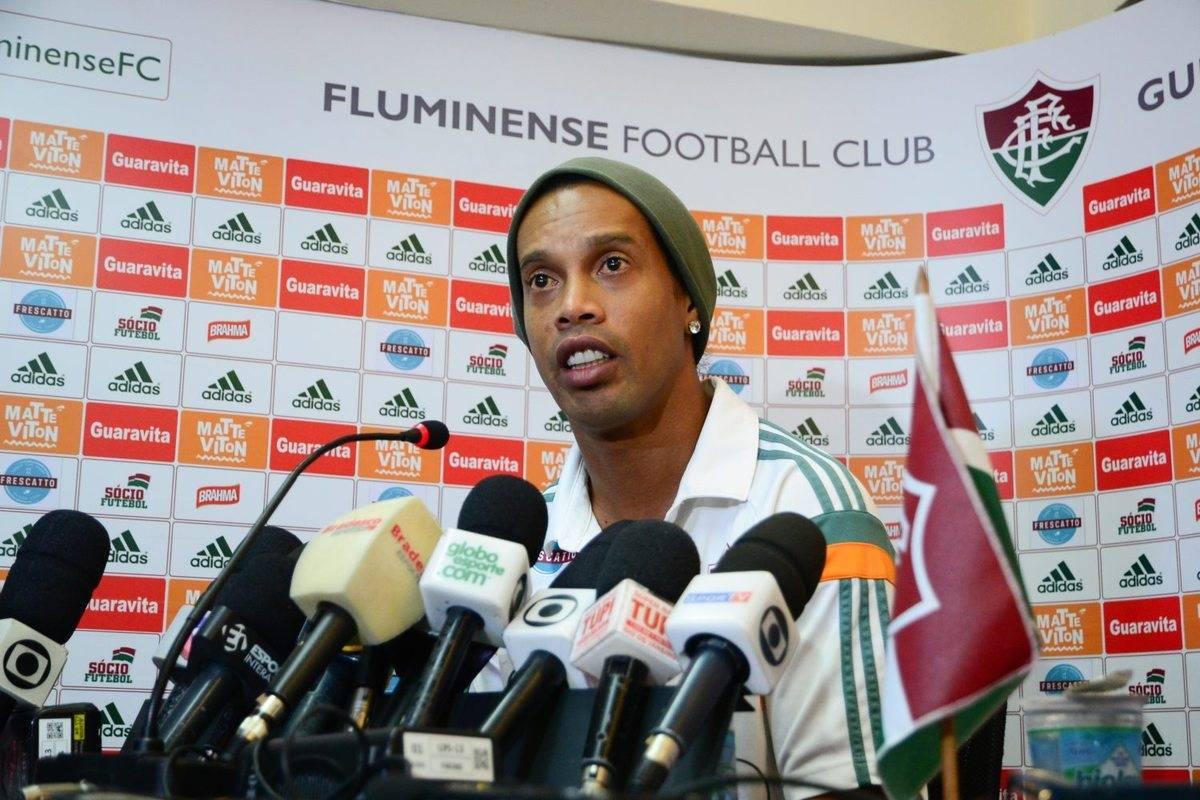 Ronaldinho-rescinde-com-Fluminense-FuteRock