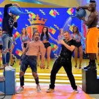 Legendários sábado 30/07/2016 – Marcos Mion sensualiza com estrela internacional