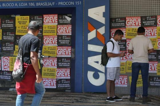 Resultado de imagem para Bancários definem plano para exigir compromisso contra retirada de direitos