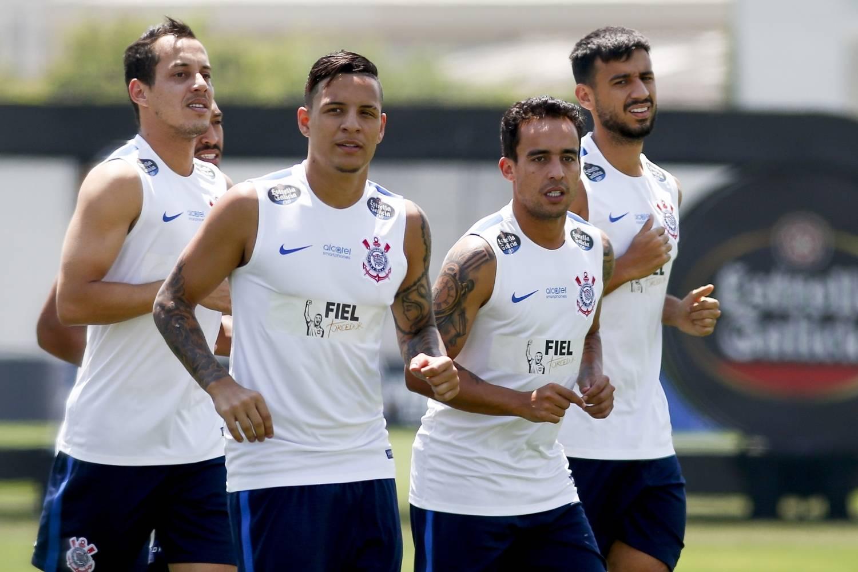Corinthians encara Botafogo no Rio para manter boa distância na liderança