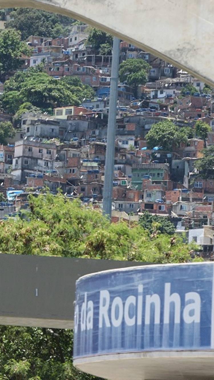 Jovem foi atingido por dois disparos na Rocinha