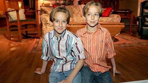 Les acteurs et jumeaux Sullivan Sweeten et Sawyer Sweeten.