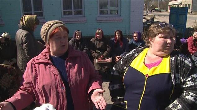 Des résidentes du village de Novozybkok, contaminé par les radiations de la catastrophe nucléaire de Tchernobyl.