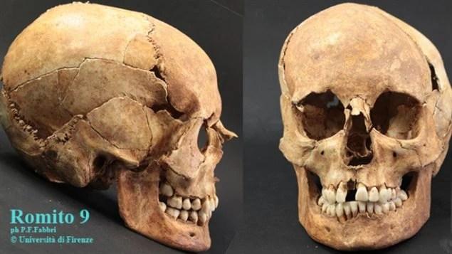 Le crâne de Romito 9, découvert dans une grotte de la région de Calabre, en Italie.