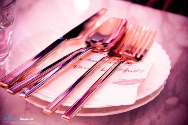 東區-時尚咖啡廳-CHLOECHN Cafe-餐具走質感風格