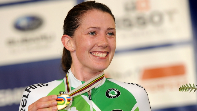 Caroline Ryan with her bronze medal at the World Cycling Championships in Melbourne