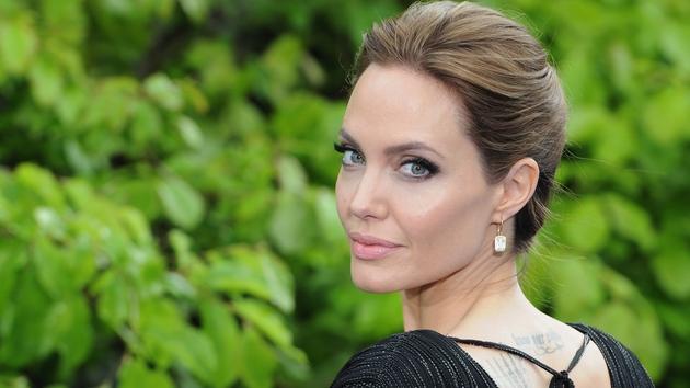 Angelina Jolie to direct biopic Africa