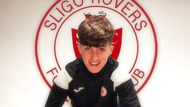 Kenny steps up to sign pro deal at Sligo Rovers