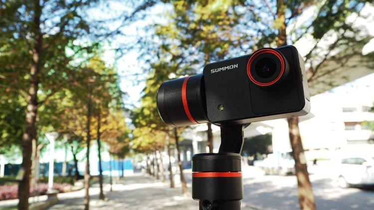 評測》具備4K錄影 高穩定度 Feiyu Tech 飛宇科技 – 魅眼 Summon 開箱 手持雲台相機|小巧方便、一體成型