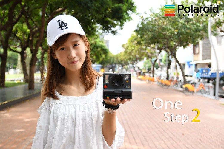 評測》復刻重現 Polaroid 寶麗萊 Originals OneStep 2 新世代底片相機