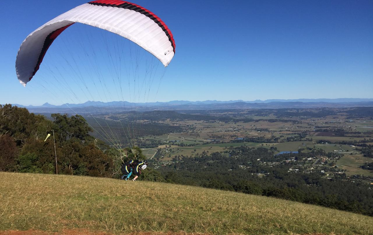Paragliding Tandem Flight - Oz Paragliding & Hang gliding Reservations