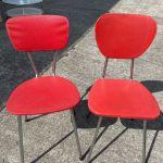 2 Verschiedene Rote Stuhle Kuche Kaufen Auf Ricardo