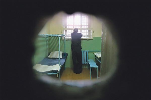 Фигурант дела о педофилии покончил с собой в Петербурге ...