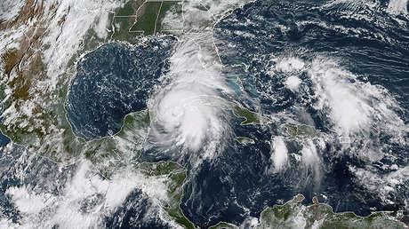 Imagen satelital del huracán Michael desplazándose por el golfo de México, el 8 de octubre de 2018.