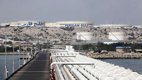 Una instalación petrolera en la isla iraní de Jark, en el golfo Pérsico, el 12 de marzo de 2017