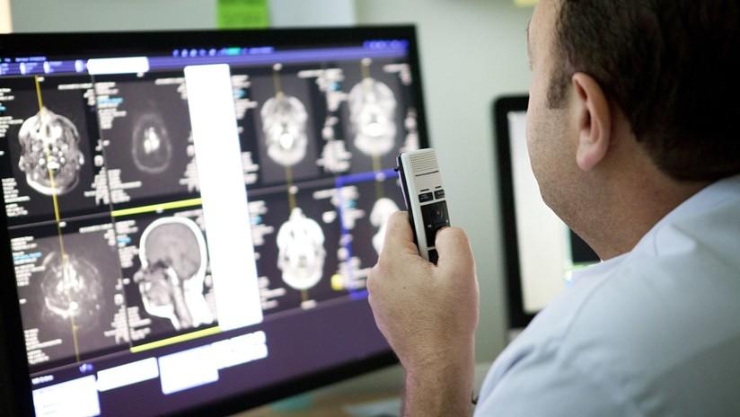 Confundieron su tumor cerebral con una migraña durante 7 años y presenta una demanda multimillonaria contra los doctores