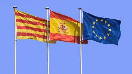 Banderas de Cataluña, España y Europa.